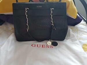 Guess handbag Mango Hill Pine Rivers Area Preview