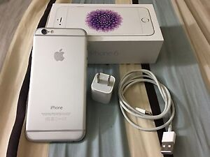 Unlocked iPhone 6 16gb silver mint condition for sale
