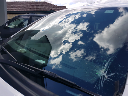 Windscreen And Auto Glass Replacement