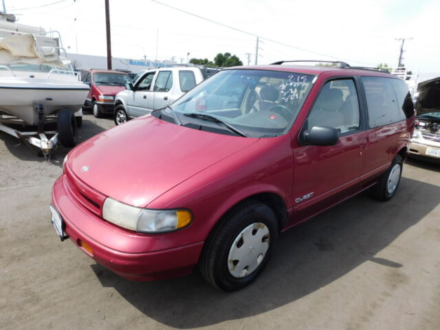 Imagen 1 de Nissan Quest  red