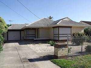 SEAFORD ROOM RENTAL OF 3BR  SHARE HOUSE INCLUDING GAS/ELECTRICITY Seaford Morphett Vale Area Preview