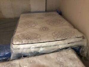 Queen Size Simmons Beauty Rest $350 obo