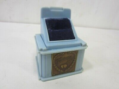 1940s Jewelry Styles and History 1940's Feature Lock Pop Up Ring Presentation Box - Blue $39.99 AT vintagedancer.com