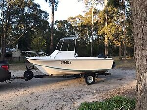 5 m boat with 90 evenrude Lakes Entrance East Gippsland Preview