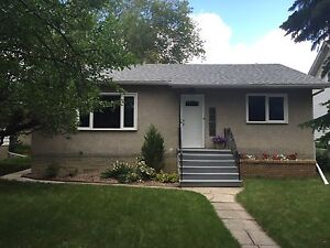 Renovated PET FRIENDLY 2 bedroom  suite. Southside near U of A