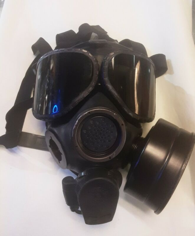 .* US MILITARY M40 CHEMICAL GAS MASK