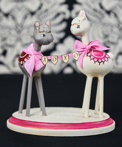 Lori Mitchell White & Gray XOXO Llama Valentine