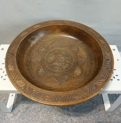 ANTIQUE HAND CARVED DECORATIVE WOOD BOWL #N