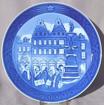 ROYAL COPENHAGEN 2009 Christmas Plate - Mint in Box!