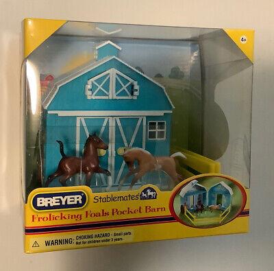 Breyer STABLEMATES frolicking Foals Pocket Barn 2012 HORSE 5932 scale 1:32 fence