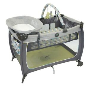 Play yard/ play pen brand new in box