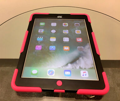 TechSeller | iPad air 1 16GB Wifi -  comes with a heavy duty case