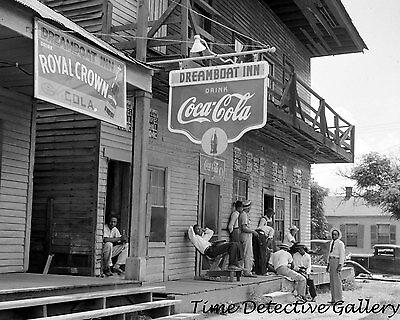 Inn Port (The Dreamboat Inn, Port Gibson, Mississippi - 1940 - Historic Photo)