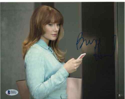 BRYCE DALLAS HOWARD SIGNED 8X10 PHOTO BLACK MIRROR BECKETT BAS AUTOGRAPH AUTO C