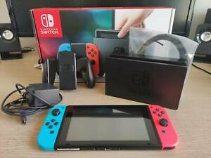 Nintendo Switch w/ complete original accs. in box