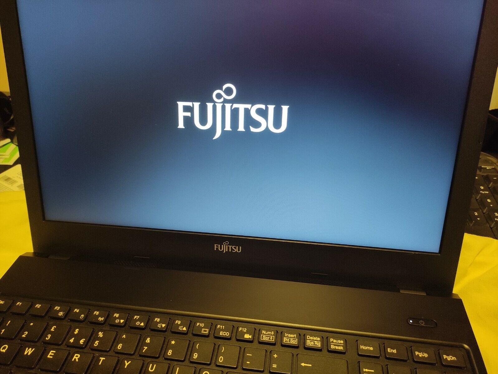 Laptop Windows - Windows 10 Laptop Fujitsu A555 - i5-5200U 2.2GHz, 4GB RAM, 120GB SSD Very Good