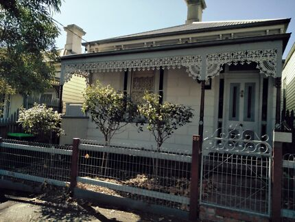 1 Private bedroom available in Flemington
