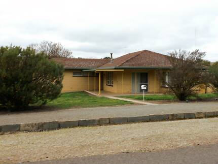 13 QUEEN STREET BURRA, LARGE FAMILY HOME Burra Goyder Area Preview