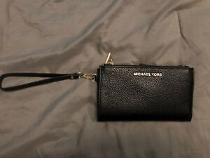 Leather Michael Kors Smartphone Wristlet