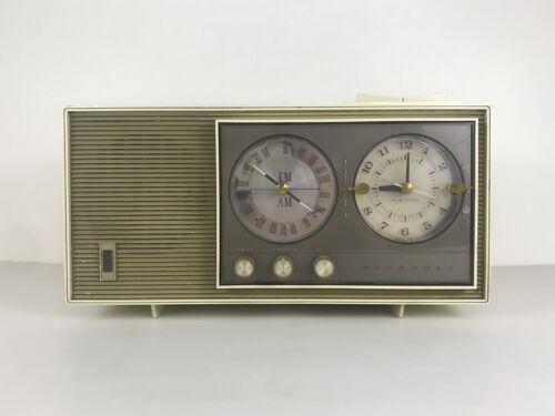 Vintage 1964 MOTOROLA BC3G AM-FM Tube Radio Receiver with Electric Clock AC