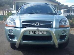 2009 Hyundai Tucson - 6cyl, 5 door Wagon with Bull Bar & Roofrack Kincumber South Gosford Area Preview