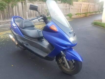 Yamaha YP 250 Scooter