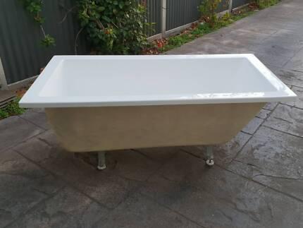 New ECT Sorrento Free Standing Bath Tub Modern Acrylic Baths ...
