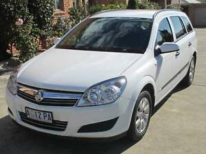 Holden astra buy new and used cars in hobart region tas cars 2008 holden astra auto wagon fandeluxe Images