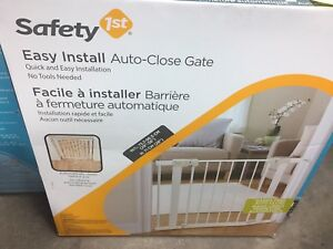 Safety 1st easy install auto close gate $70+ retail