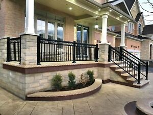 Aluminum railings wit picket or glass columns and gate