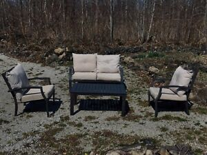 Aluminum patio furniture - sofa, 2 chairs and a table