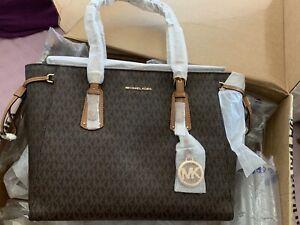 d814d8e2384c38 Authentic Michael kors voyager medium logo tote | Bags | Gumtree ...