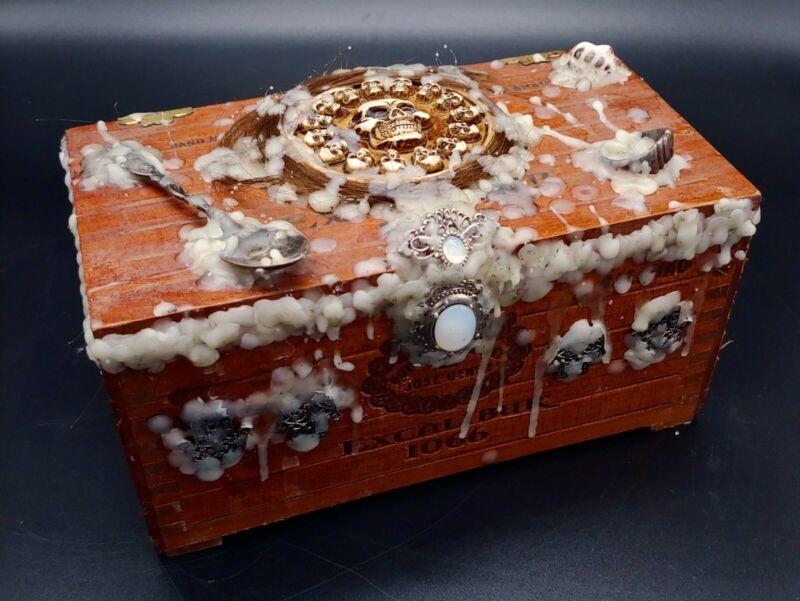 Old Active SEALED Dybbuk Box Paranormal Amulet Sacred Ring HUMAN HAIR Warlock
