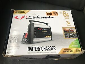 Car Boat automatic battery charger and tender