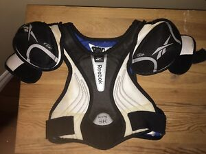 Reebok 3K Hockey Shoulder Pads - JR Medium