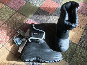 Toddler boys brand new size 10 winter boots