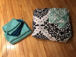 Double/full bedding and comforter