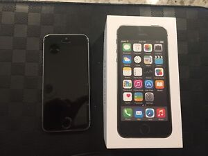 Unlocked Apple IPhone 5S Phone