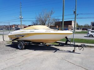 BOAT FOR SALE! GREAT CONDITION, GREAT FOR THE SUMMER!