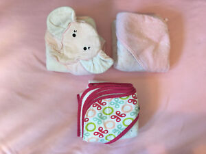 Baby girls hooded towels