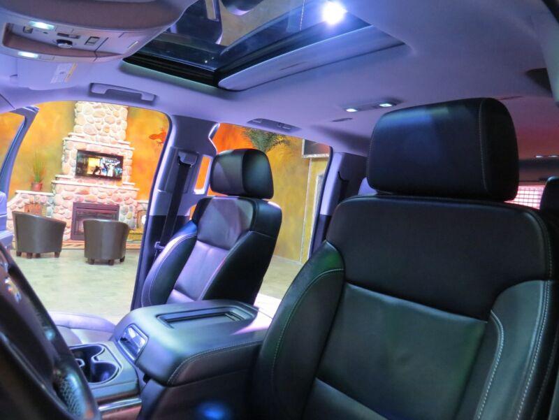 Image 16 Voiture Américaine d'occasion Chevrolet Suburban 2015