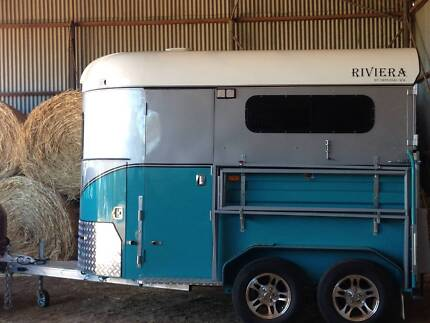 Riviera Horse Float 2016 with lots of extras