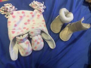 Girls hat, mitts and boots