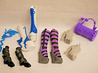 Monster High - 3 Paar  Schuhe / Stiefel + Tasche   Sehr guter Zustand