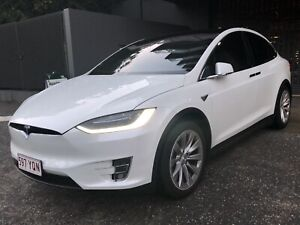 6 Seater 2017 Tesla Model X 75D with AUTOPILOT