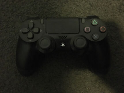 PS4  Controller (New looking)