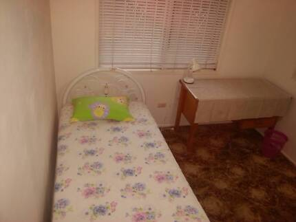 Upstairs two single rooms - students, girls only Macgregor Brisbane South West Preview