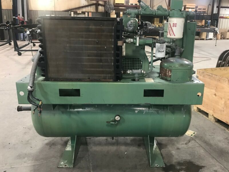 Gardner-Denver 30 hp 125 psi Tank Mounted Rotary Air Compressor