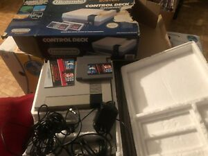 Nes w/original box 2 games