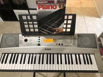 Yamaha PRS-E313 Keyboard Piano
